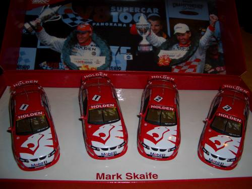 Holden_Commodore_V8_Supercar_winners 2001_1/43