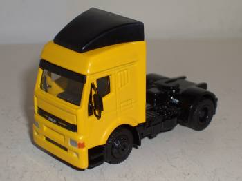 Iveco Eurotech Zugmaschine - Schuco 1:87 Automodell